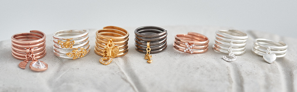 UK jewellery photographer, Lifestyle stacking rings photo in gold, silver, rose gold