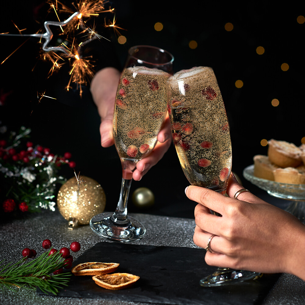 drink photography, sparkly festive champagne image